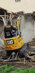 פינוי פסולת בניין ושינוע במשאית דאבל